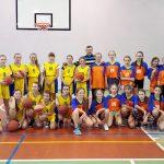 1 miejsce dziewcząt wmini koszykówce